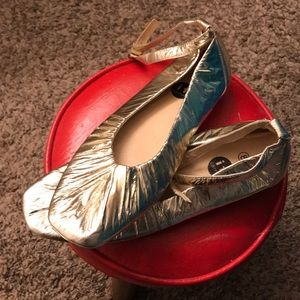 Shoes - Gorgeous Gold Ballet Shoes with Straps IF brand